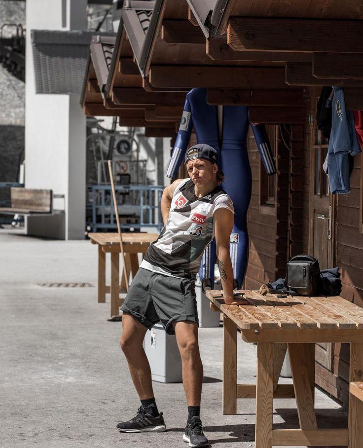 "Polubienia: 693, komentarze: 10 – • Joacim Ødegård Bjøreng 🇳🇴 (@joacimbjoreng) na Instagramie: ""Leaning back and enjoy the sun between the sessions ☀️ #ifyoucantductitfuckit #Planica 😘 📸:…"""