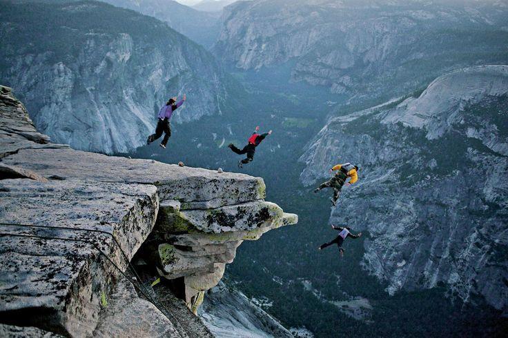 BASE Jump au parc national de Yosemite, en Californie (Etats-Unis)
