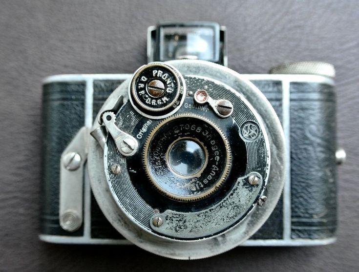 "Vintage Ihagee Parvola Camera, Vintage Camera, 1930s Camera, 127 Film Camera, Double-Helicoid Telescopic Lens, Removable Back,""Weeny Ultrix"" by DomesticTitanVintage on Etsy #CameraAccessories"