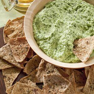 Low-cal spinach artichoke dip: Low Fat, Creamy Spinach, Greek Yogurt Recipe, Spinach Dips Recipe, Cottages Chee, Cream Cheese, Guacamole, Spinachdip, Pita Chips