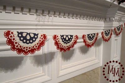 doily banner---CUTE!!!!Doilies Banners, Paper Doilies, Fourth Of July, Red White Blue, Patriots Doilies, Scrapbook Paper, 4Th Of July, July 4Th, Scrap Shoppe