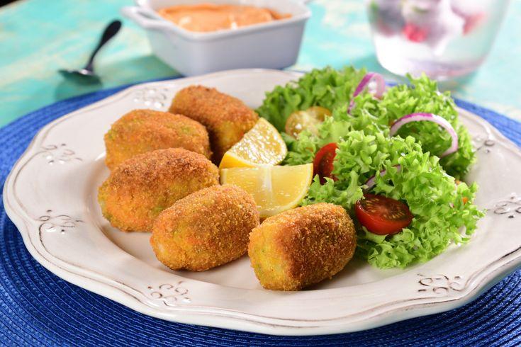 Croquetas de papa y zanahoria fáciles y crujientes. A los niños les encanta a la hora del lunch y es una excelente opción par aumentar tu consumo de verduras.