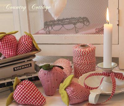 more strawberry pincushions!