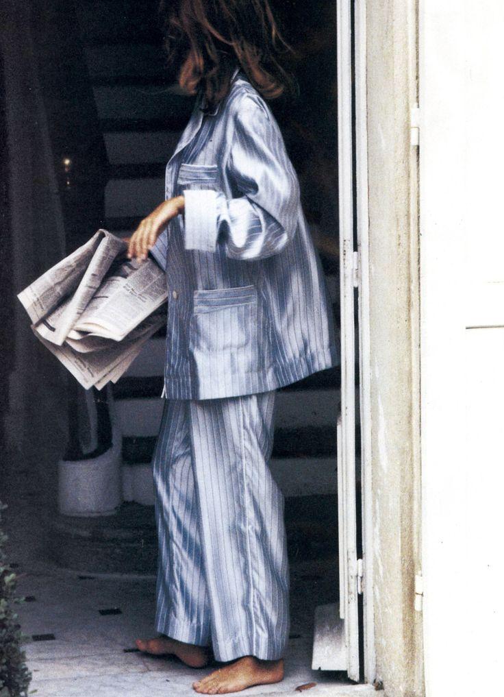 "supermodelobsession:  Vogue US January 1991""Time-Out""Model: Susan HolmesPhotographer: Ellen von UnwerthStylist: Grace Coddington"