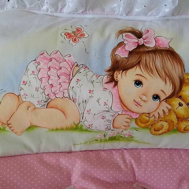 Instagram photo by artes.marcia - Capa para bebê conforto pintado a mão. 160,00 Conforto e necessidade,seu bebê agradece.