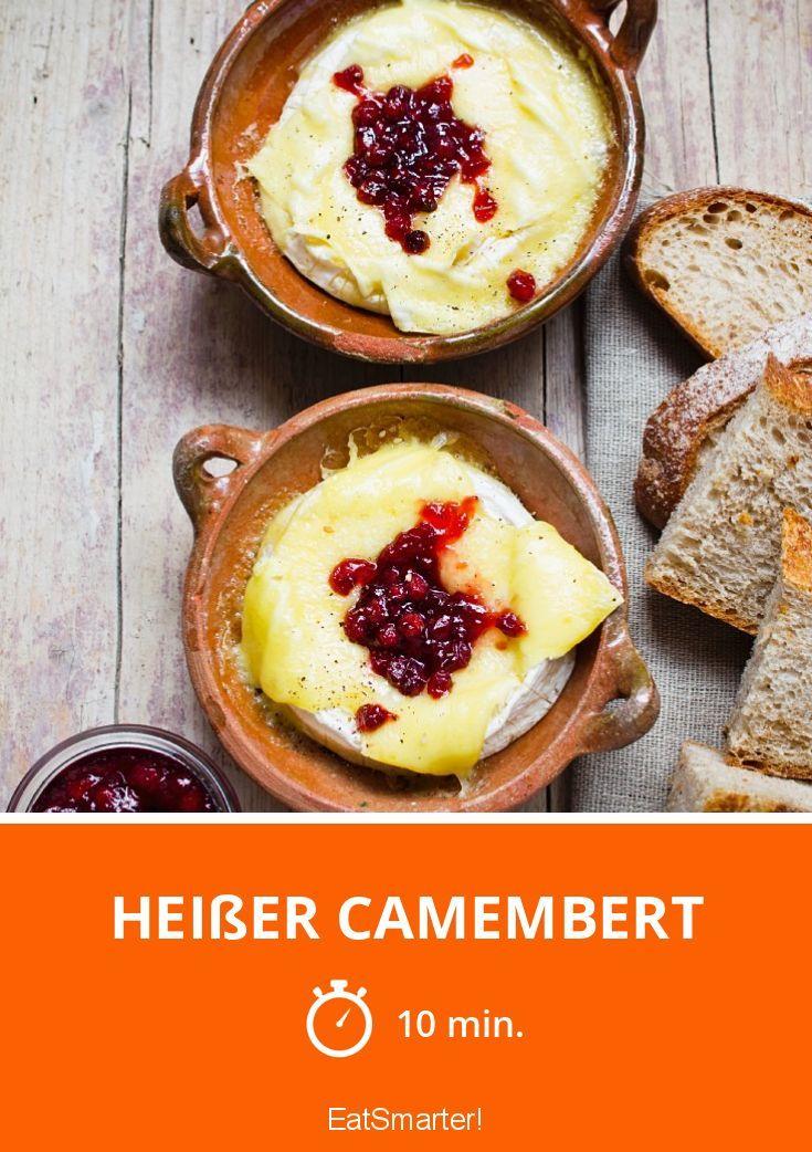 Heißer Camembert mit Preiselbeeren