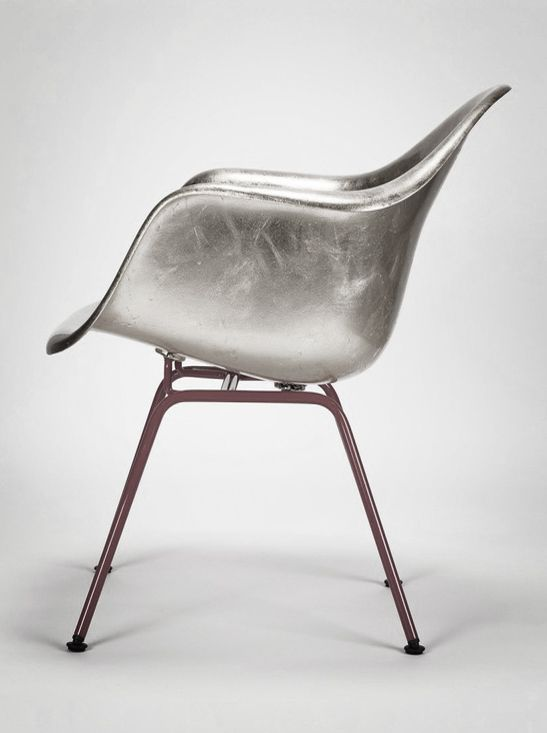 silver eames. #livingroomchairs  #diningroomchairs #chairdesign upholstered dining chairs, silver chair, upholstered chairs | See more at http://modernchairs.eu