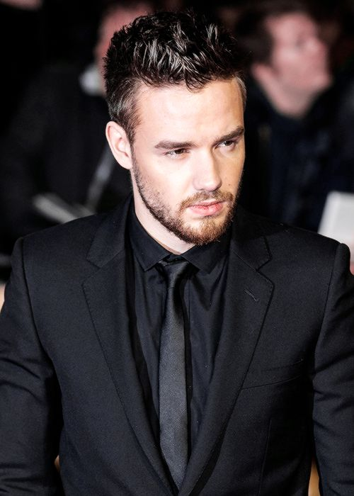 """lovingliam: """"Liam Payne attends the World Premiere of 'I Am Bolt' at Odeon Leicester Square on November 28, 2016 in London, England. """""""