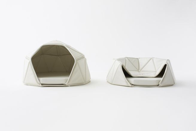 heads or tails by nendo. a three-piece dog accessory collection, consisting of a dog bed, dishes and toys. (photo: akiihiro yoshida)