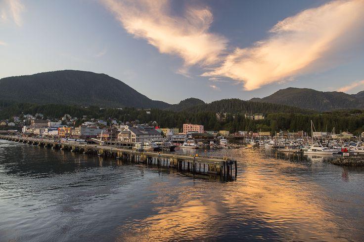 Cidade de Ketchikan, no #Alasca, uma das paradas do cruzeiro que a #Disney realiza no Estado norte-americano. Foto: Matt Stroshane.