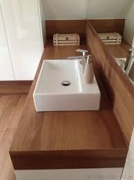 Znalezione obrazy dla zapytania łazienka biel i drewno