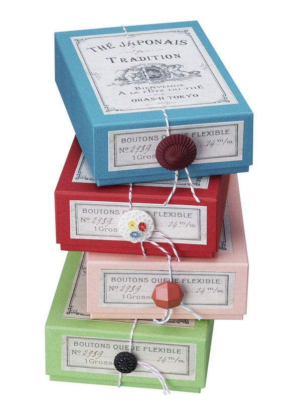 """12月6日発売号の雑誌『エル・ア・ターブル』で話題の""""美パッケージ""""特集。本誌内で紹介している40点から、プレゼントに自分用に、ついついジャケット買いしてしまうような、愛らしいパッケージフードを厳選して18点ご紹介!"""