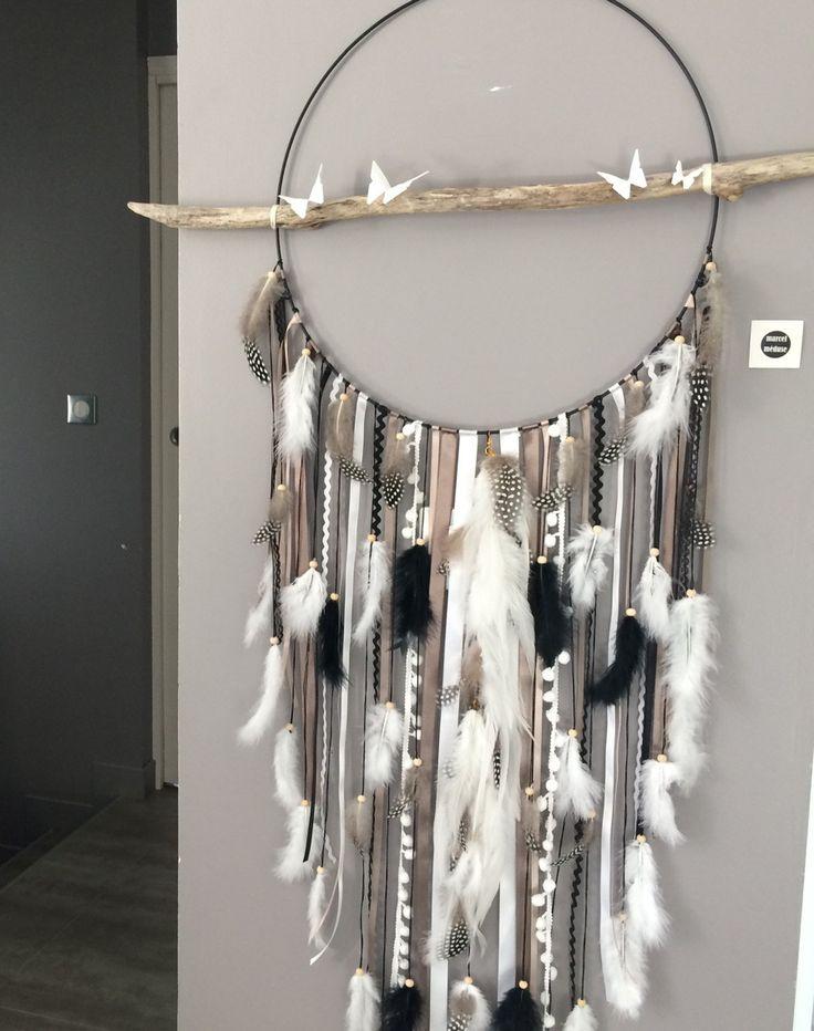 Attrape-rêves / dreamcatcher GEANT en bois flotté coloris taupe, blanc et noir : Chambre d'enfant, de bébé par marcelmeduse