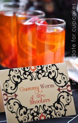 These Gummy Worm Shooters make the perfect drink for a Halloween wedding reception! Find more creepy ideas here.