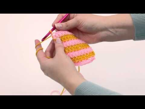 How to Change Color at the End of a Row - Stitch and Unwind