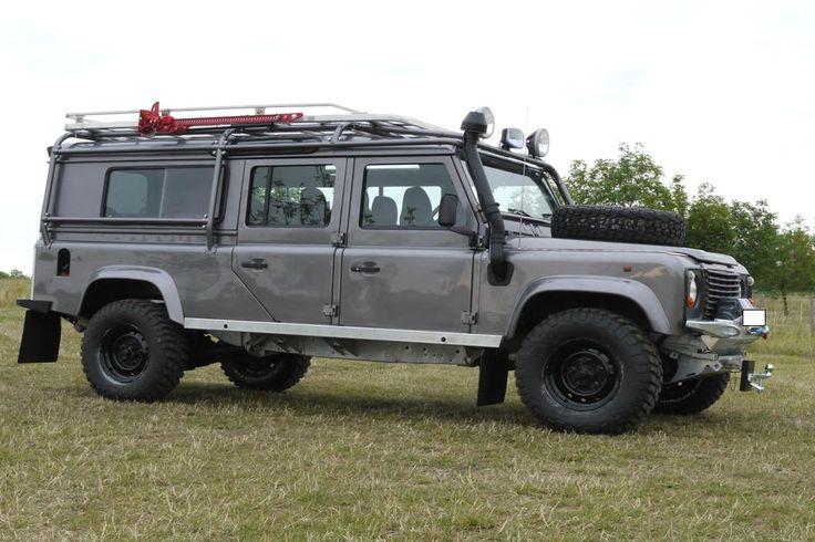 land rover defender 130 station wagon land rover defender inspira. Black Bedroom Furniture Sets. Home Design Ideas
