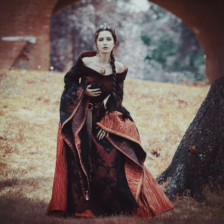53 Best Images About Medieval Dress On Pinterest: 332 Best Images About Fantasy/Medievaloid Clothing On