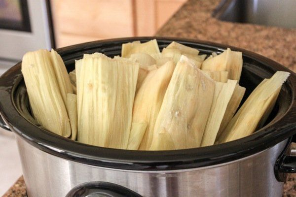 Eight Easy Ways To Reheat Frozen Tamales For Perfect Taste And Texture Familynano Crockpot Recipes Slow Cooker Tamales How To Cook Tamales