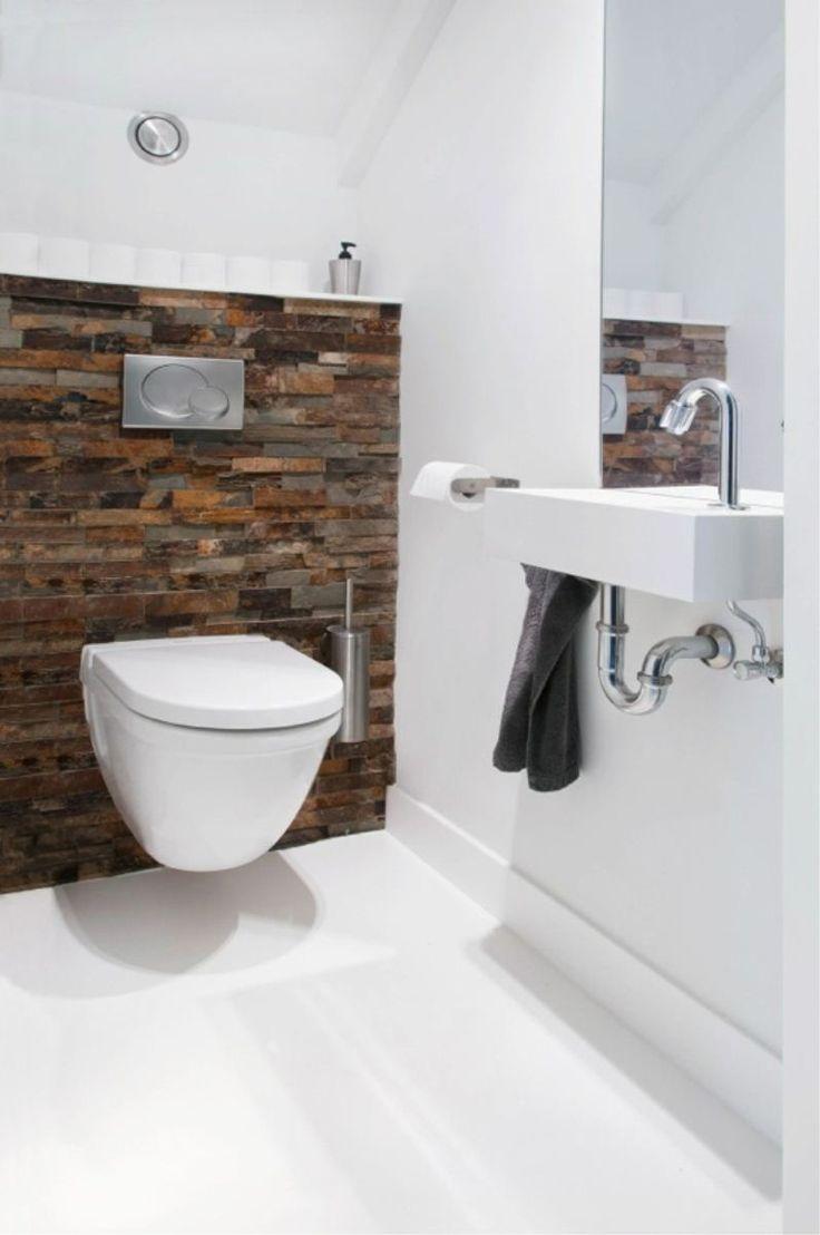 Wit met houten toilet