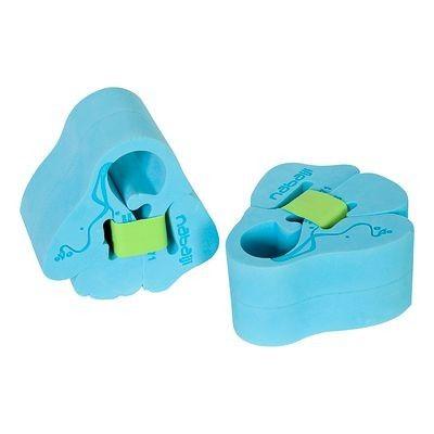 #manguitos espuma #niño #natación - Concebido para niños en fase exploración o aprendizaje. http://www.decathlon.es/manguitos-espuma-azul-15-30-kg-id_8061785.html