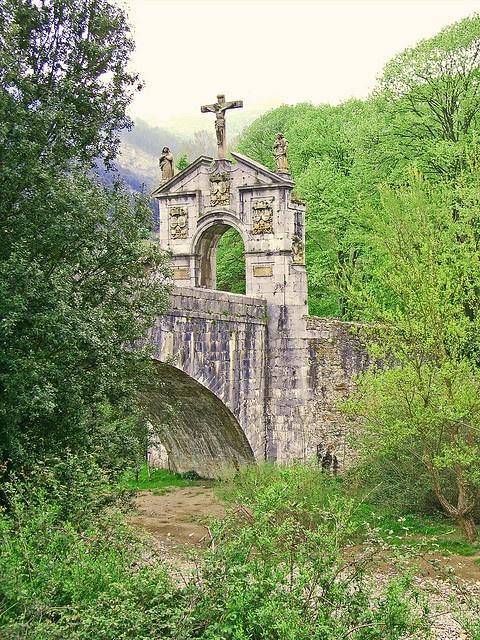 Puente de Anuntzibai (Orozko, Bizkaia, Spain)