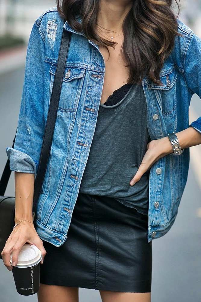 Casual outfits are the most common guests in practically all cities around the globe. And it is not surprising, as street style is a great combination of taste and beauty.