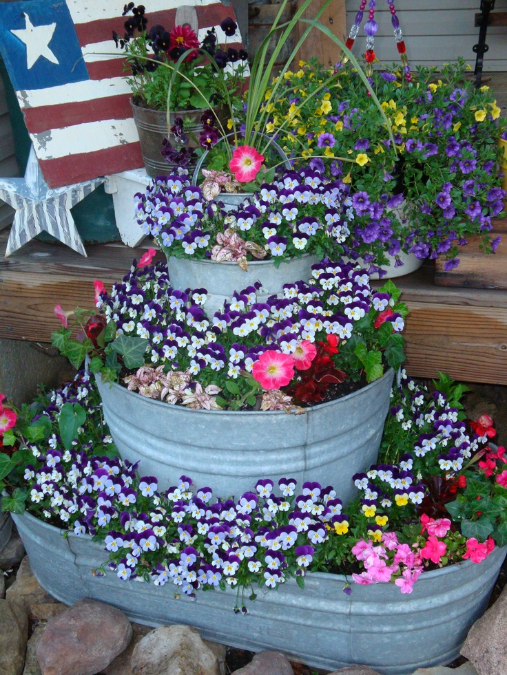Galvanized tubs made into flower pots flowers pinterest more galvanized tub gardens and - Galvanized containers for gardening ...