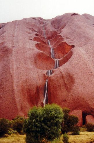 The remote beauty of Uluru | 34 Reasons Australia Is The Most Beautiful Place On Earth