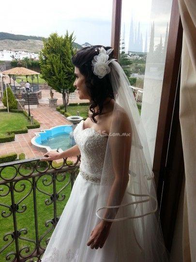 Tocado para novia de Wedding Room | Foto 38