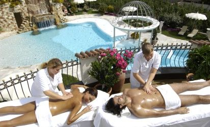 With various special massages we want to spoil you and make you feel at home in the hotel Preidlhof