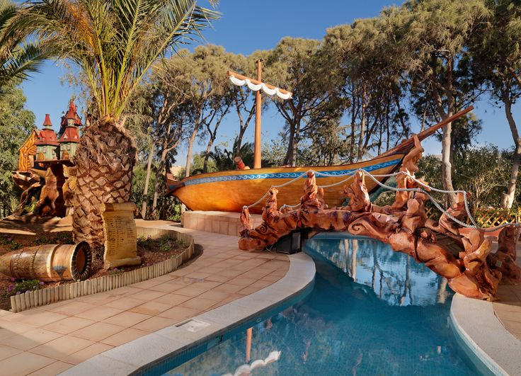 Minoan Pool