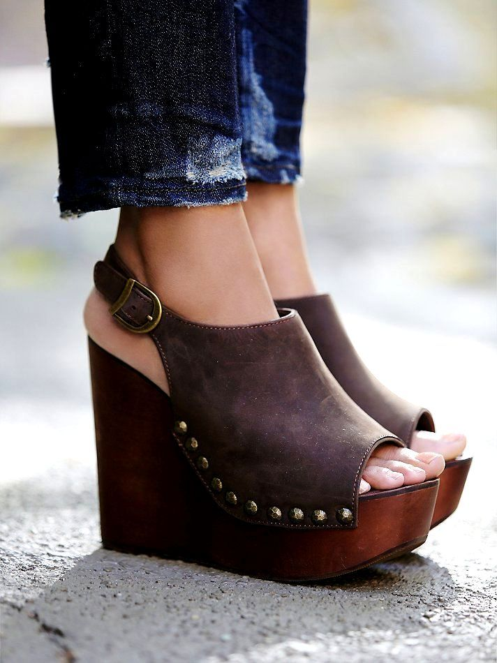 Pin By Kathleen Carrillo On My Style Wedges Schuhe