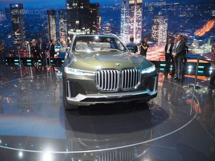 2017 Frankfurt Auto Show: BMWs largest SUV to date  The X7 :  The new BMW Concept X7 is just as impressive in person as it is in the official photos. The largest and most luxurious BMW SUV to date has been unveiled today in Frankfurt and took the center s