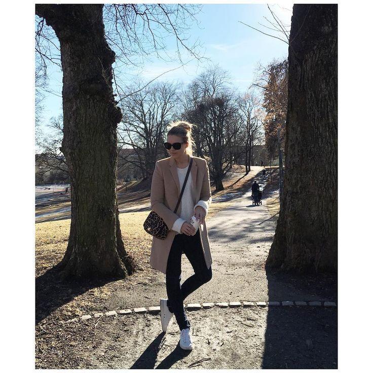 Spring feeling☀️☀️Follow me on snapchat: silje-pedersen #vår #spring #sunny #strolling #casual @millaleng
