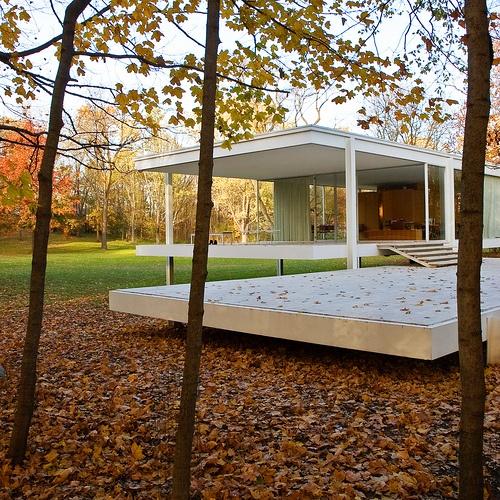 Farnsworth House - Mies Van Der Rohe by jamesjulius, via Flickr