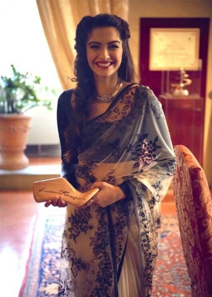 Sonam Kapoor looking breathtaking