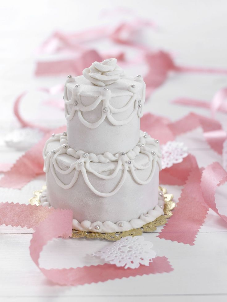 learn how to make wedding cakes best 25 wedding cakes ideas on 16778