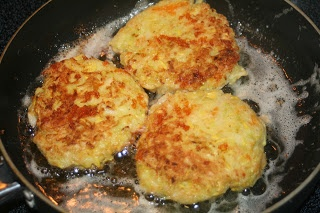 Monday, August 6, 2012 Tasty Tuesday: Fried Yellow Squash Patties