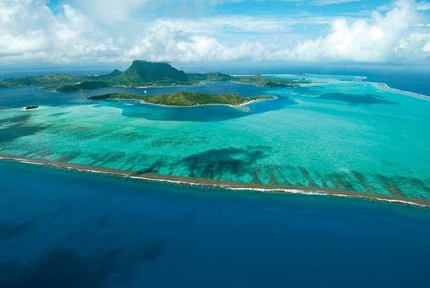 La Polynésie française, Au beau milieu de l'océan Pacifique Sud, à environ 17 000 kilomètres de Paris,