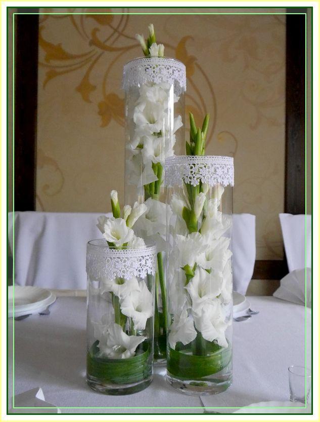 Znalezione Obrazy Dla Zapytania Kwiaty W Tubie Szklanej Table Decorations Glass Vase Decor