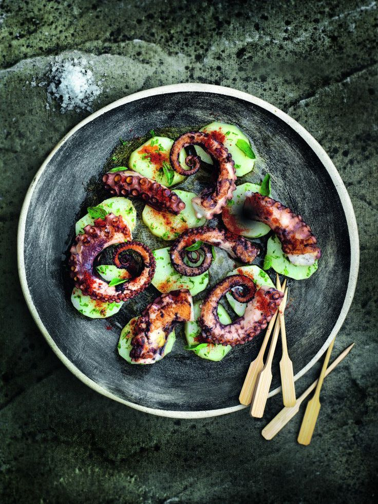 Grilled octopus with oregano potatoes and smoked paprika: