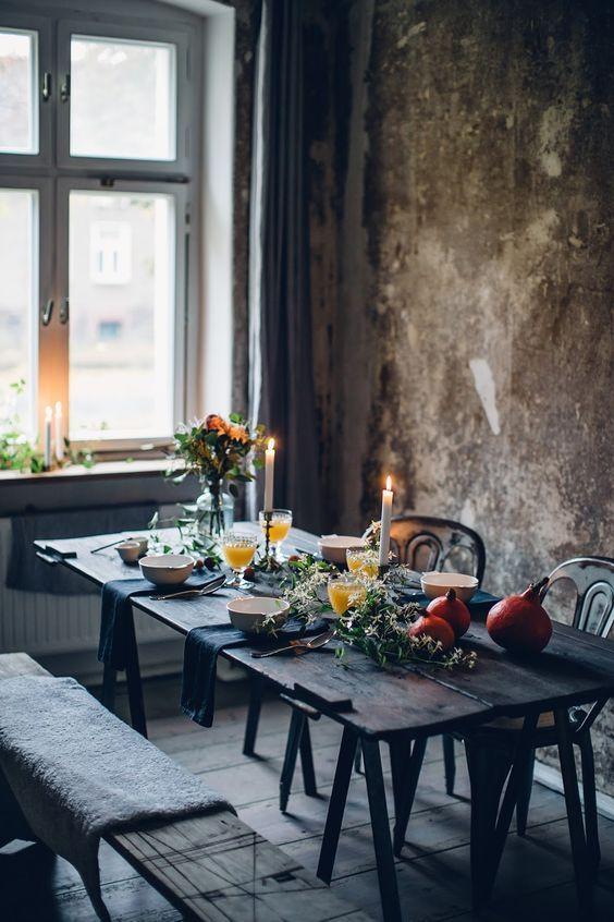 Napkins & florals.