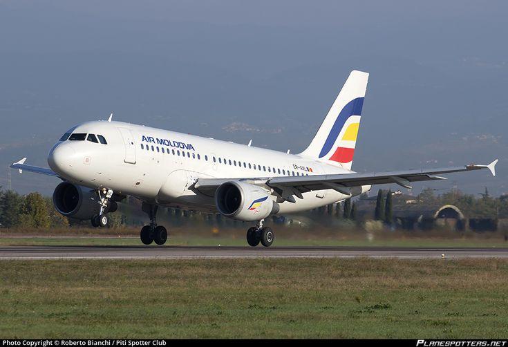 Air Moldova Airbus A319-112 ER-AXL aircraft, on short finals to Italy Verona Villafranca Valerio Catullo Airport. 08/11/2016.