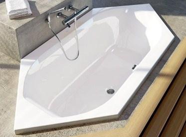 Vasca Da Bagno Angolare Ideal Standard : Vasca da bagno dangolo in acrilico idromassaggio aqua by cornelia