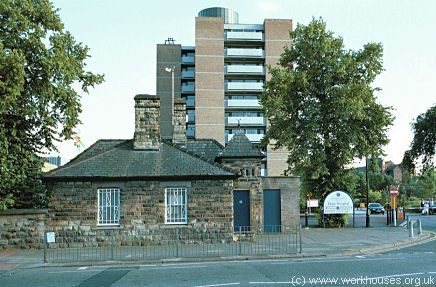 Salford Hope Hospital, 2000