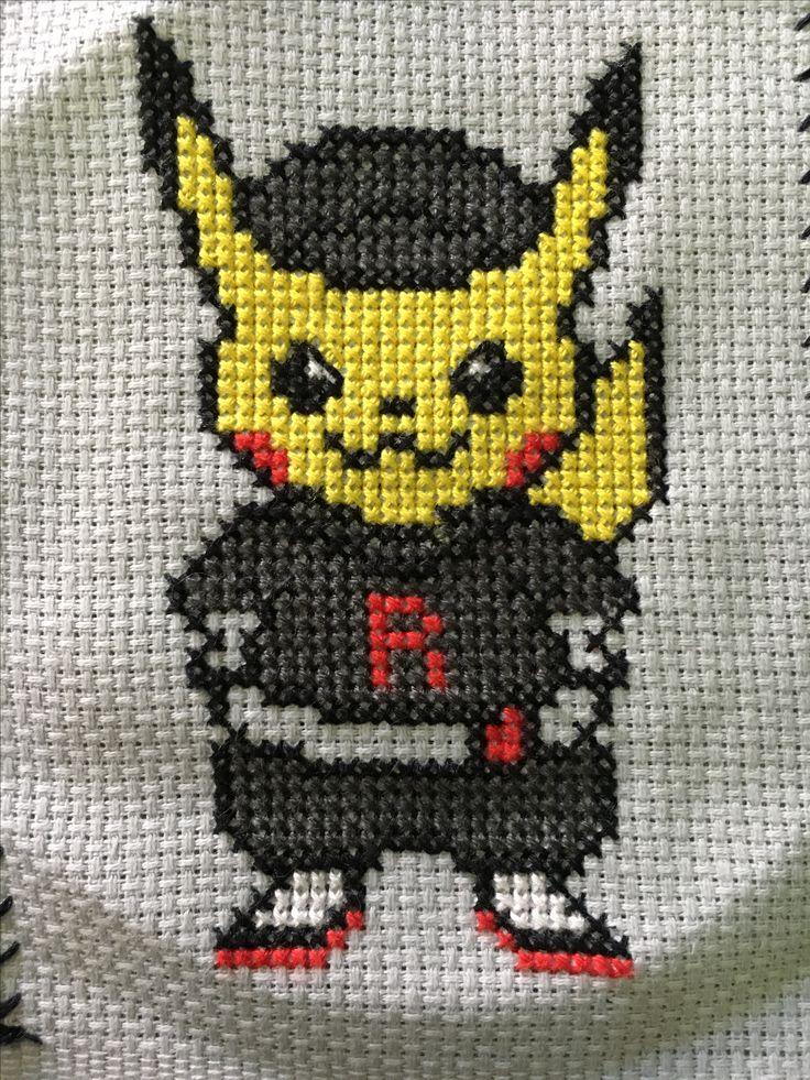 Pikachu equipo rocket punto cruz