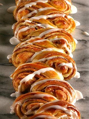 Danish water kringle (Bob Chamberlin / Los Angeles Times) recipe in English