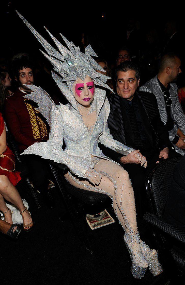 Pin for Later: Retour Sur les Tenues les Plus Folles des Grammy Awards Lady Gaga…