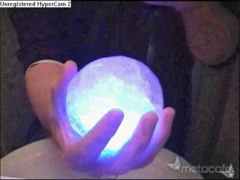 Como fazer uma bolha de gelo brilhante - YouTube                                                                                                                                                                                 Mais