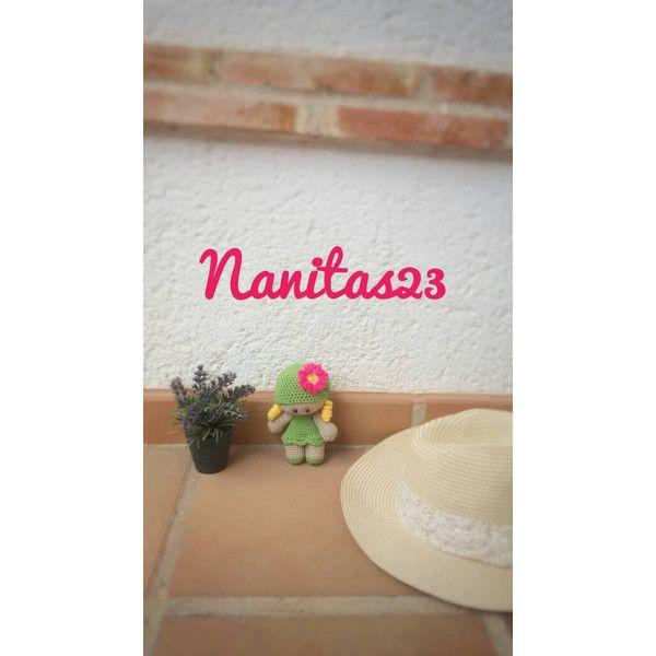 Muñeco yoyo amigurumi, niña con tirabuzones rubia y gorro verde con... ❤ liked on Polyvore featuring accessories, eyewear and sunglasses